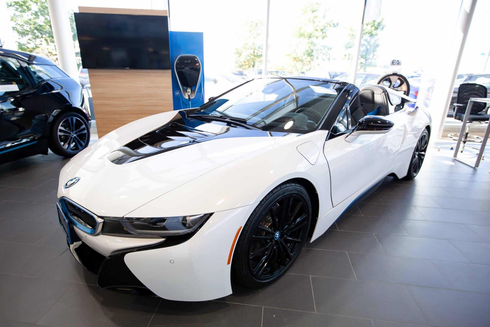 bmw-white-car-richteamedia360